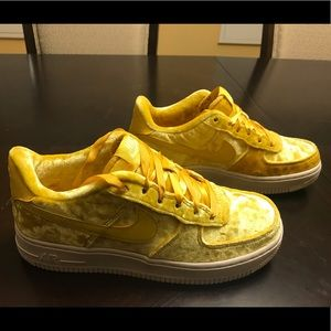 New Nike Air Force 1 LV8 Mineral Gold Sneaker 6.5